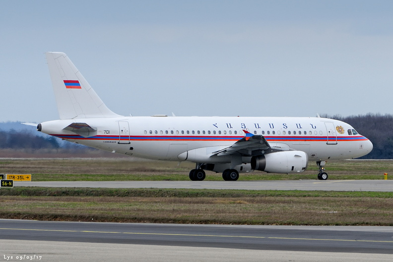 A319-132(CJ), 913, 701, ARMENIA GOVERNMENT, LFLL 09/03/2017